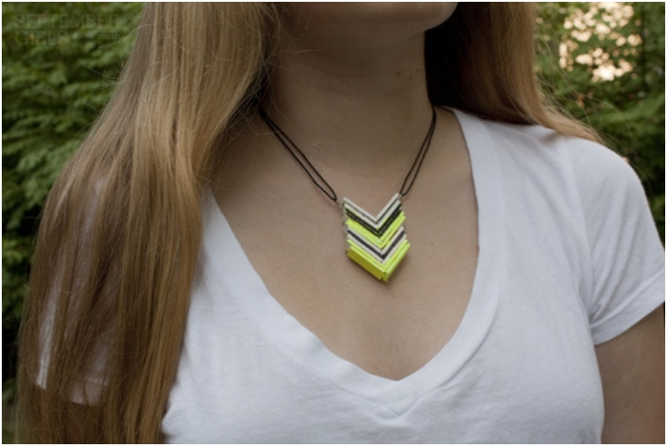 popsicle-stick-chevron-necklace