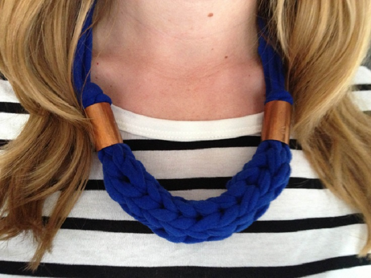 Chunky-Finger-Knit-Necklace