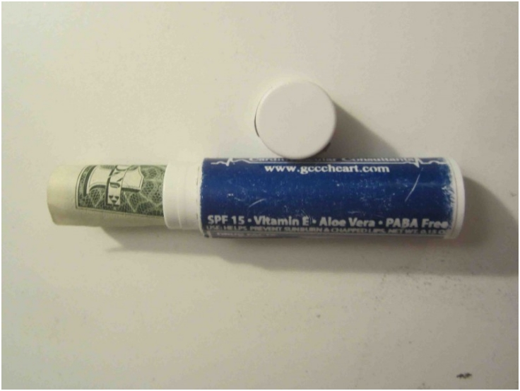 Hide-Money-in-Chapstick