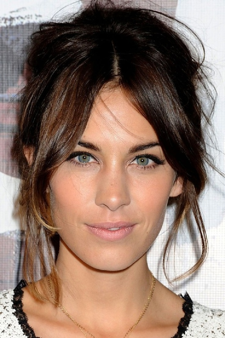 Hairstyles Parted In The Middle : Top 10 Trendy Hairstyles With Bangs