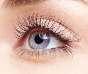 Top 10 Naturally Ways To Make Your Eyelashes Grow