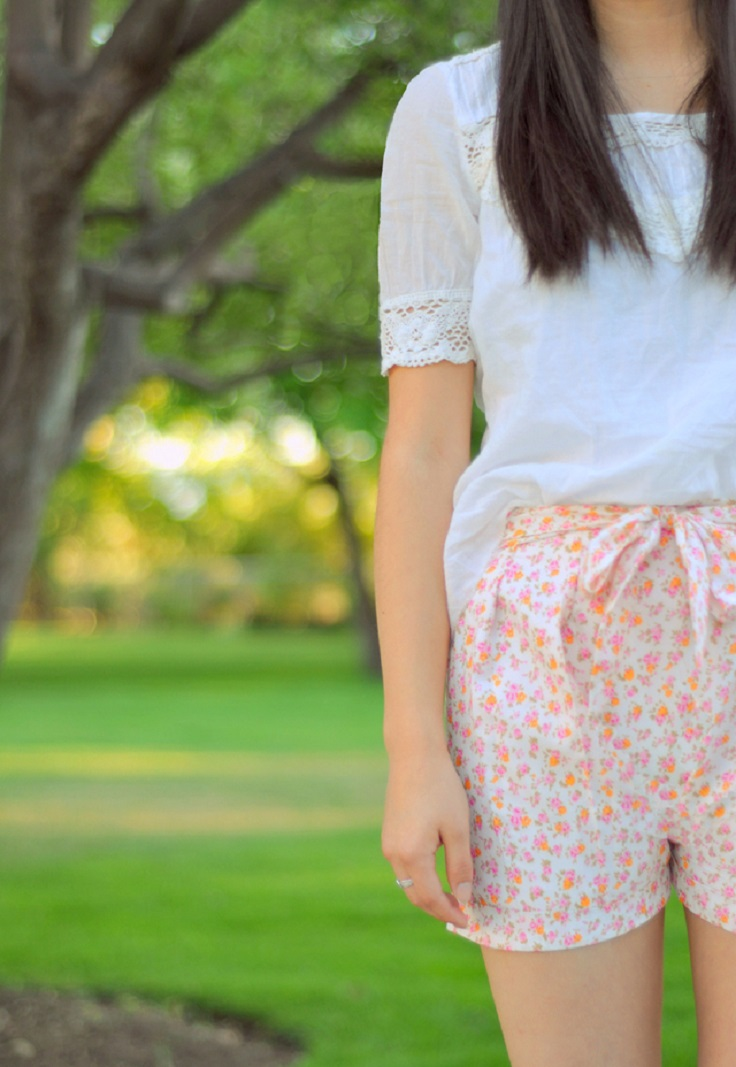Floral-Pleated-Shorts-with-a-Bow