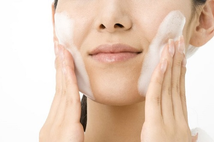 Top 10 Ways To Minimize Pores On Your Skin