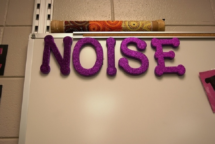 "Spell-out-""NOISE""-with-foam-letters"