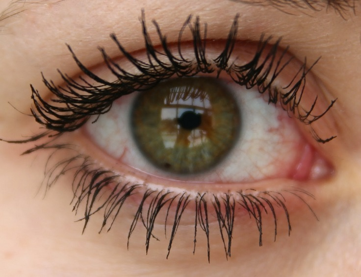 Top 10 Naturally Ways To Make Your Eyelashes Grow - Top Inspired