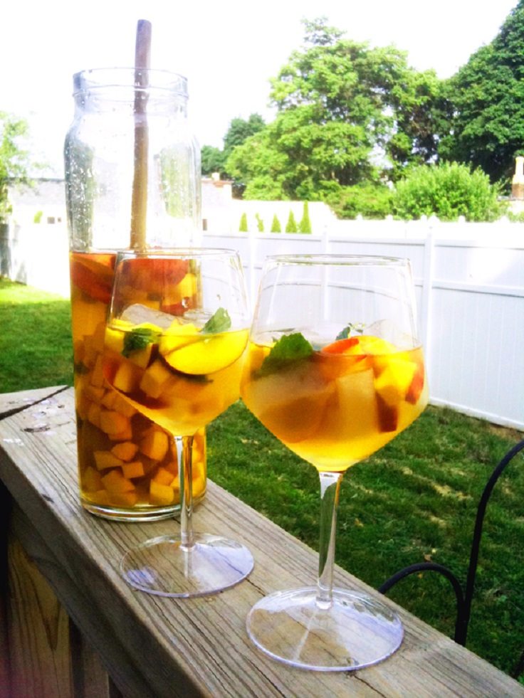 White-Wine-Peach-Mango-Sangria
