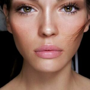 "Top 10 ""No Makeup"" Makeup Looks for Fall 