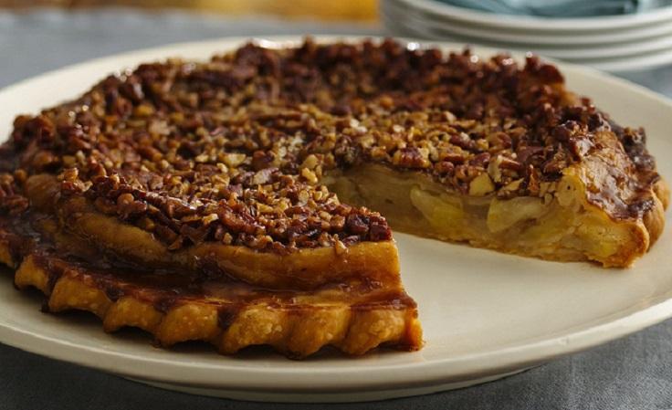 Caramel-Pecan-Upside-Down-Apple-Pie