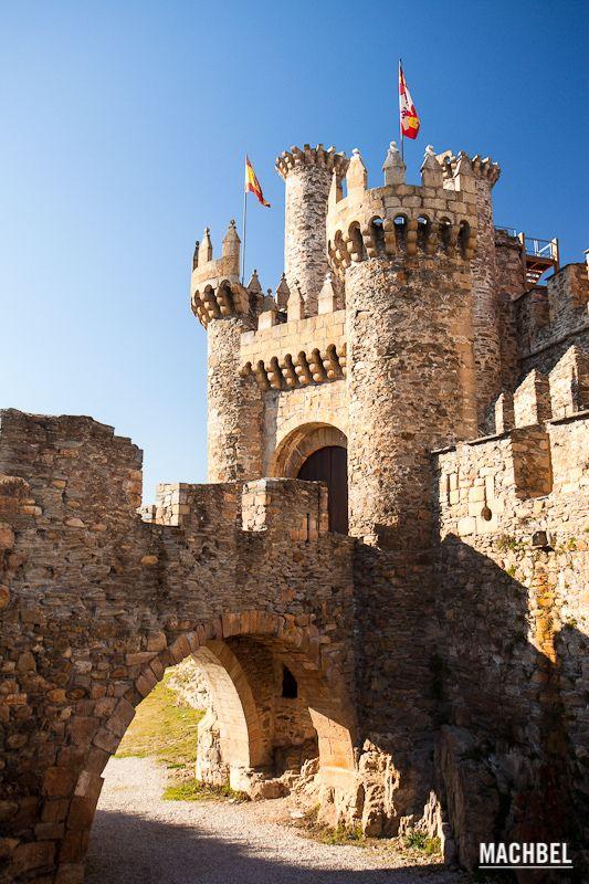 Castle-of-the-Templars-Ponferrada-Castilla-and-Leon-Spain-