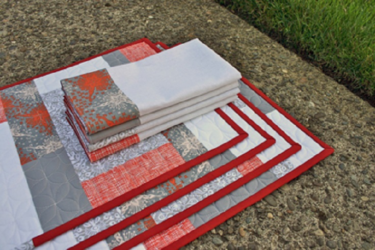 Color-Blocks-Placemats-and-Napkins