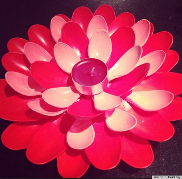 Top 10 creative ways to reuse plastic spoons top inspired for Plastic spoon flower mirror