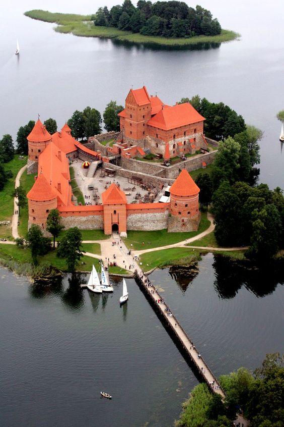 Trakai-Island-Castle-on-Lake-Galve-Lithuania-