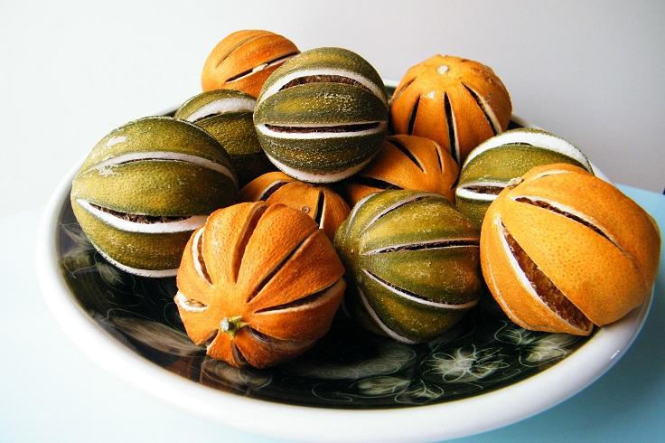whole-dried-orange-balls