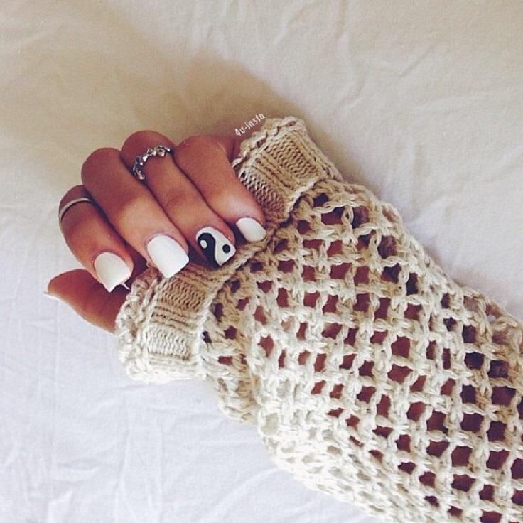 yin-yang-nails-2