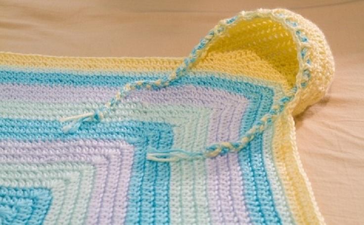 Crochet-Hoodie-Blanket