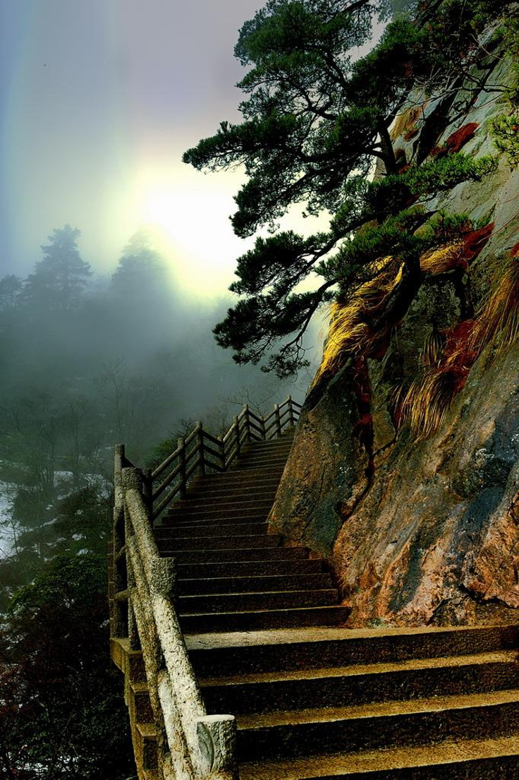 Huangshan-Mountain-China