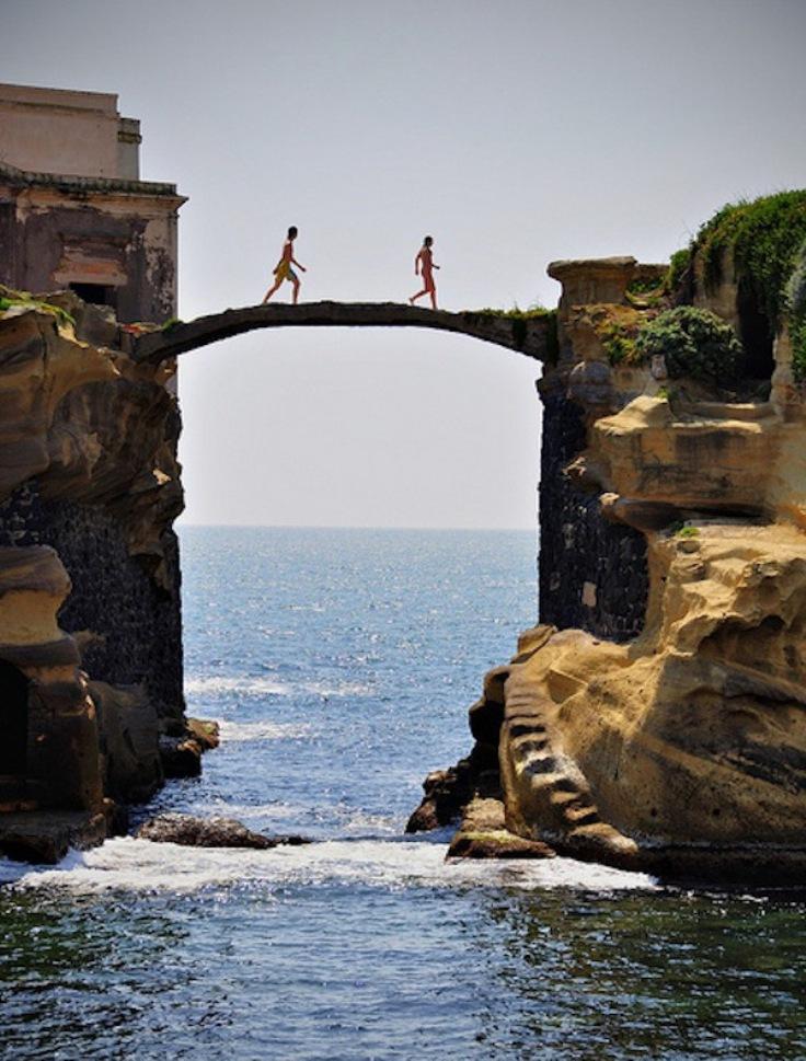 The-Isola-La-Gaiola-Italy