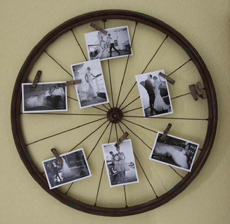 reused-old-bike-wheel-for-picture-frame