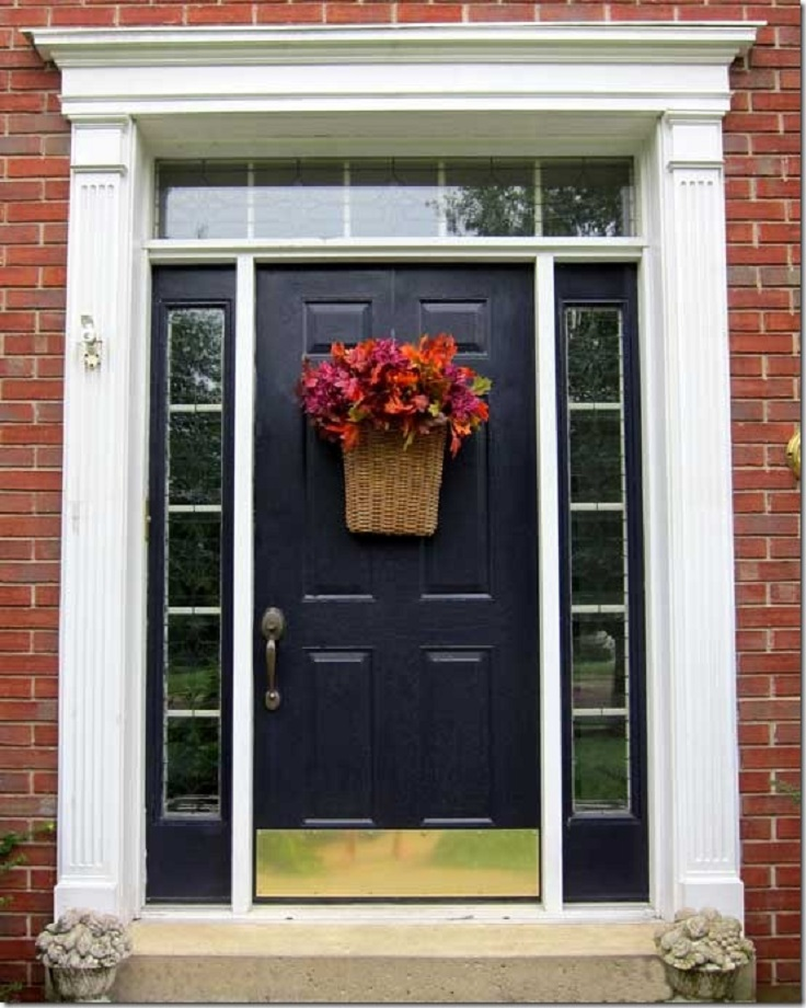 Frond-Door-Decoration-with-Basket-and-Leaves