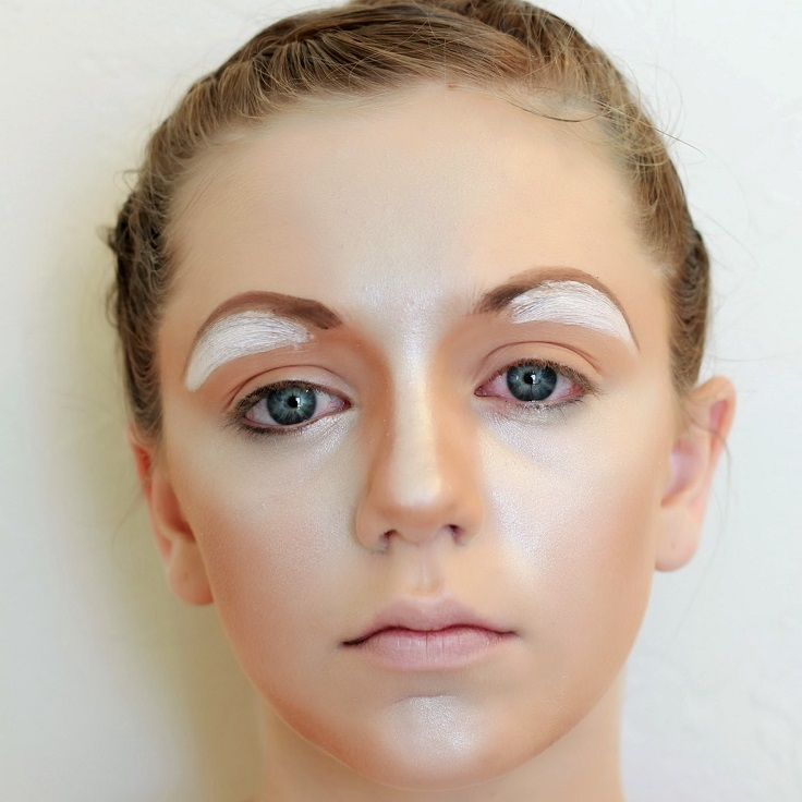 half-circle-eyebrows