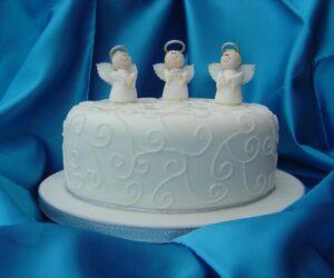 Top 10 Christmas Cake Decoration Ideas
