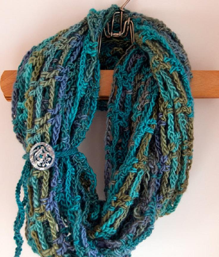 Top 10 Beautiful Free Crochet Scarf Patterns