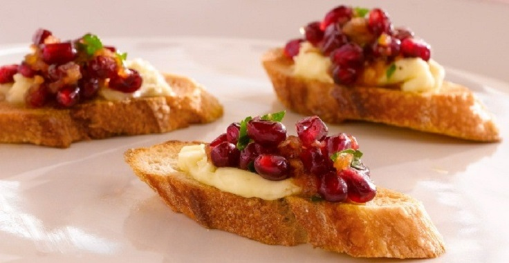 Christmas-Pomegranate-Relish-Appetizers