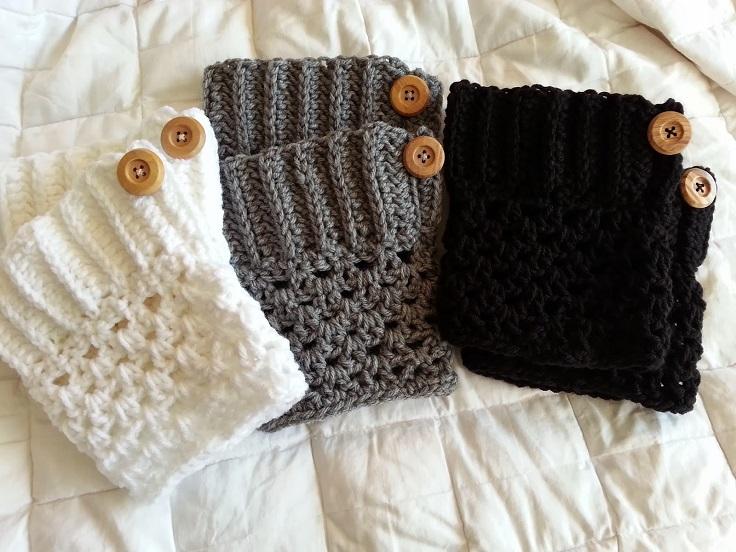 Easy-Button-Boot-Cuff-Crochet-Pattern