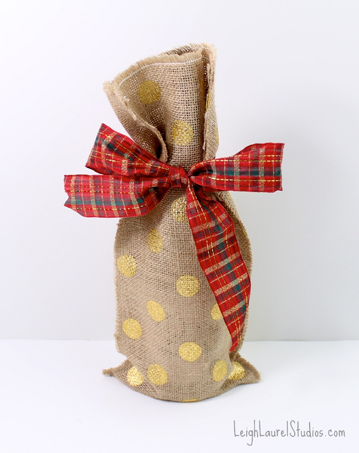 Happy-Holidays-DIY-Wine-Bag