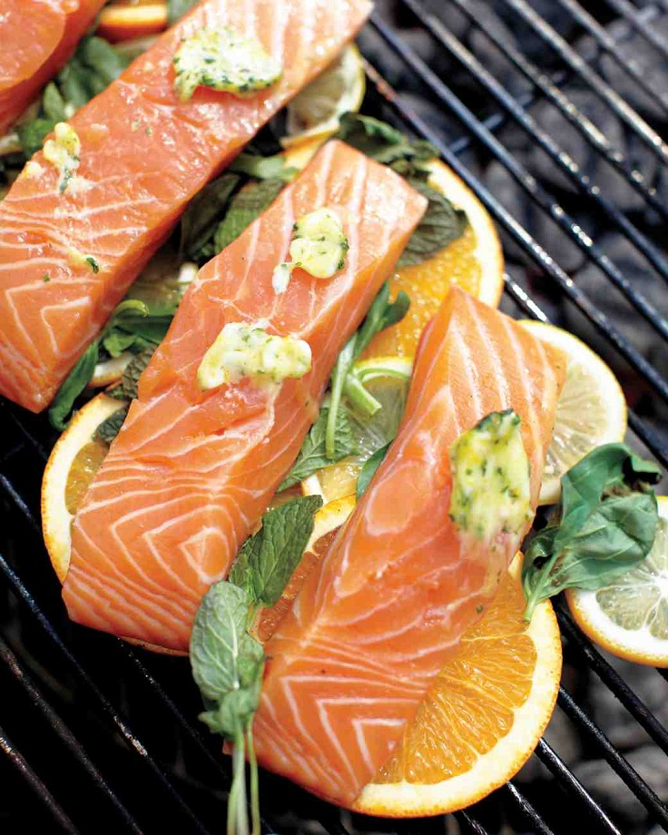 Having-trouble-with-your-salmon-sticking-to-your-grill-Grill-it-on-lemons-to-avoid-sticking-and-to-add-delicious-flavor