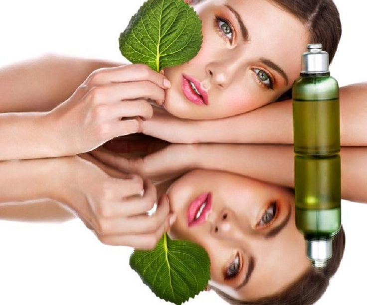 Tea-tree-oil-to-remove-acne