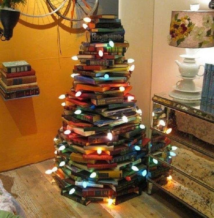 Transform-a-pile-of-books-into-a-DIY-Christmas-tree