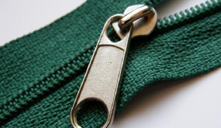 Unstick-a-Zipper