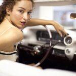 alg_woman_parking_car-150x150
