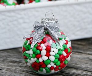 Top 10 DIY Fun And Easy Ways To Dress Up Christmas Ornaments