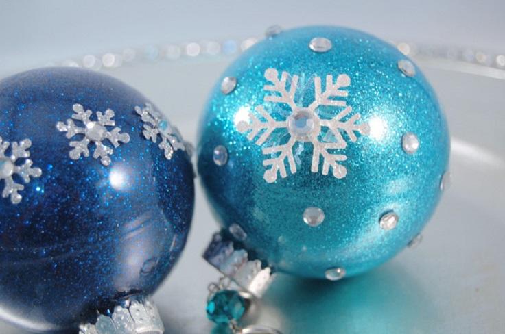 glitter-snowflake-ornaments