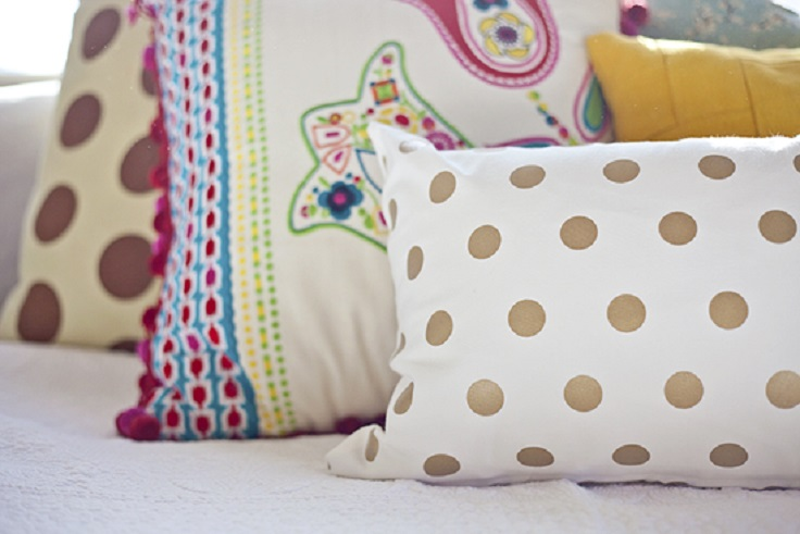 dot-pillow