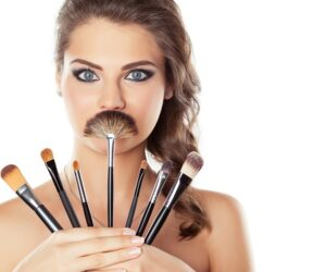 Top 10 Tips For Cleaning Your Makeup Brushes