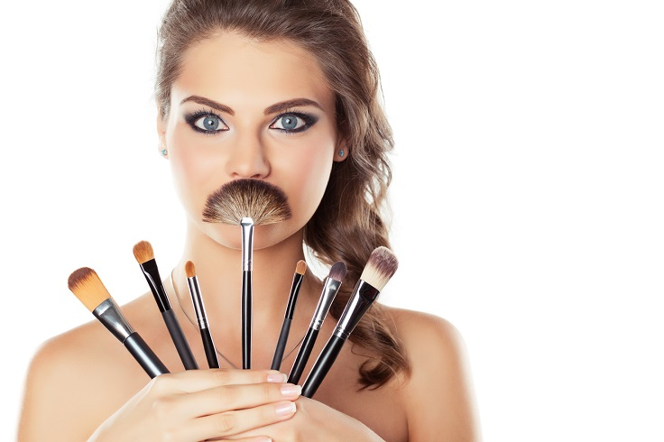 Top 10 Tips For Cleaning Your Makeup Brushes | Top Inspired
