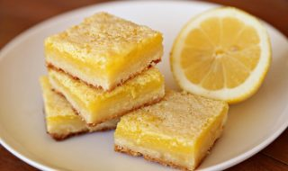 creme-brule-lemon-bars