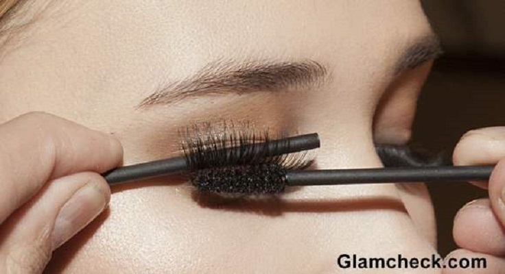 Top 10 Tips For Mastering False Eyelashes Application