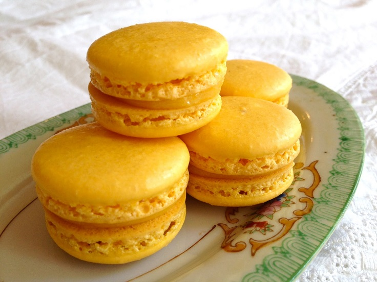 passionfruit-macarons