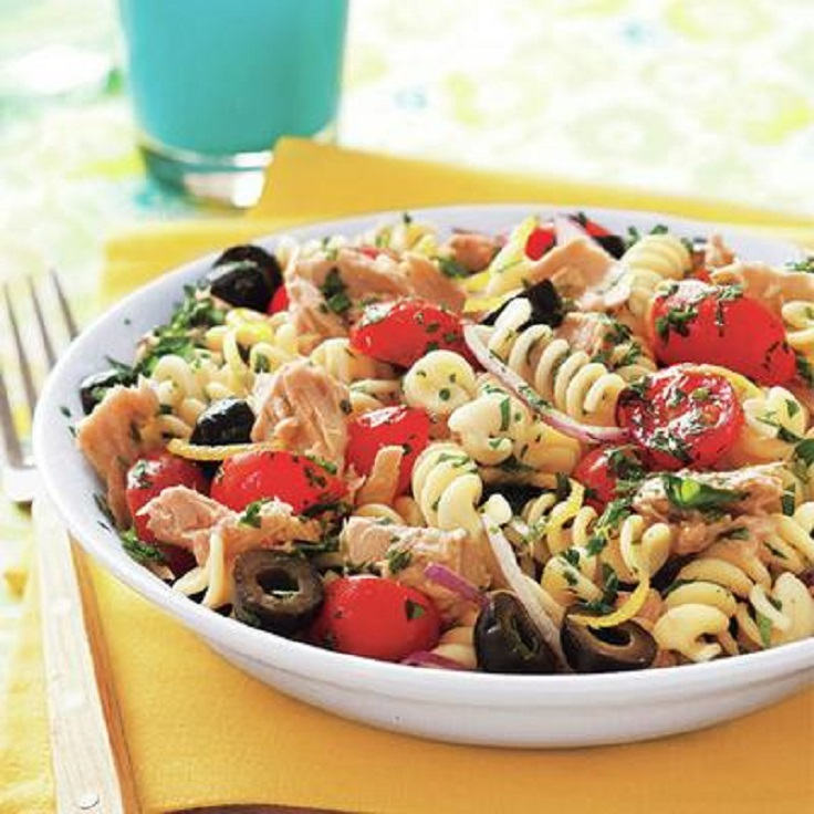 pasta-salad-with-tuna-olives-and-parsley