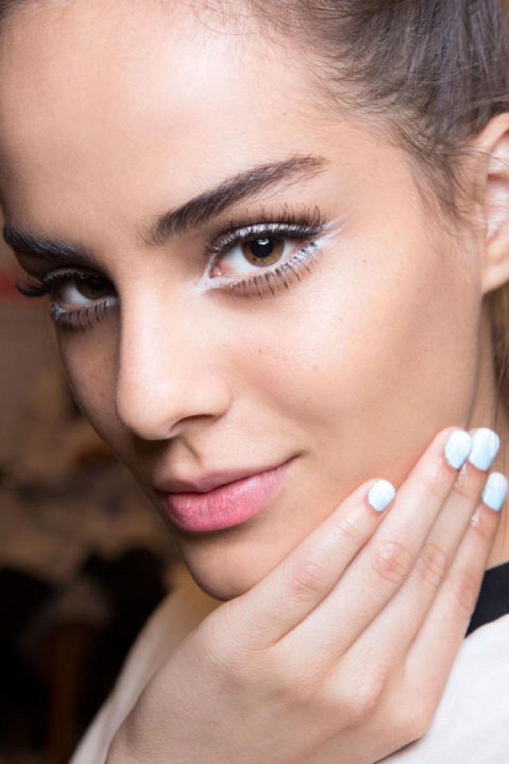 white-eyeliner-and-falsies