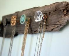 wooden-jewelry-holder