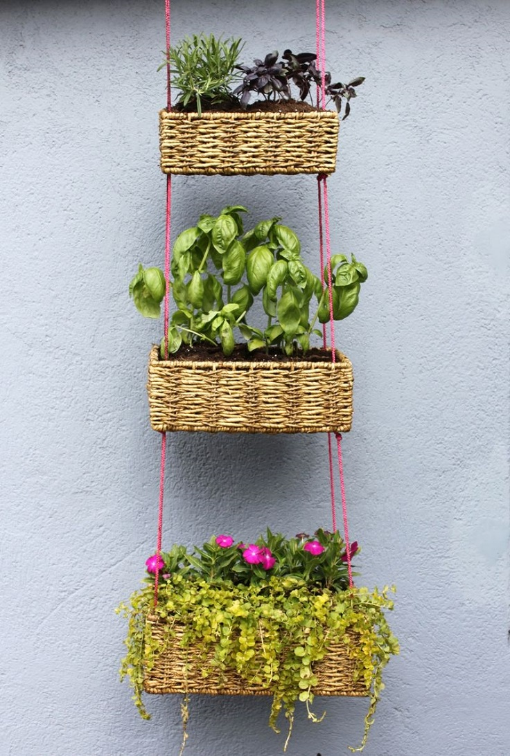 3-vertical-hanging-basket-garden