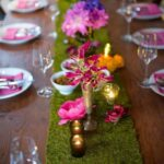Fake-Grass-and-Flowers-Table-Runner