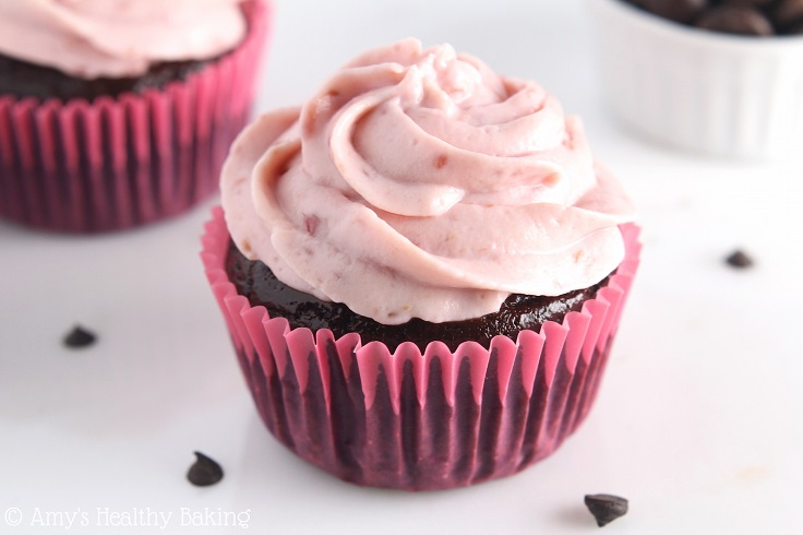 dark-chocolate-raspberry-cupcakes