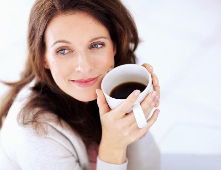 women-drinking-coffee