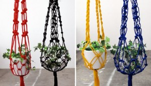4-Colored-macramé-plant-holder